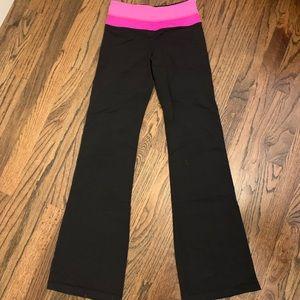 Very gently used lululemon reversible pants!